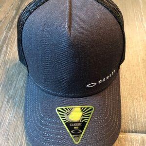 Unisex OAKLEY Mid Rise SnapBack Hat